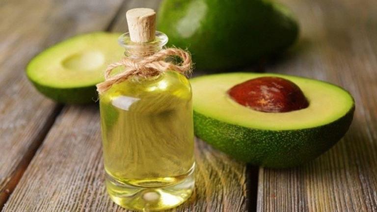 Sử dụng kết hợp bơ với dầu oliu có tác dụng ngăn ngừa lão hóa da, giúp da trở nên tươi trẻ