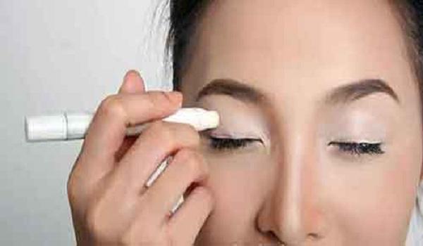 7 bước trang điểm mắt đơn giản nhưng đẹp