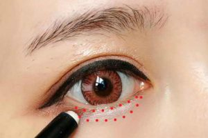 Cách trang điểm mắt to tròn thu hút phái mạnh