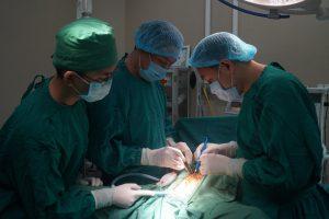 Phẫu thuật cắt u sùi hậu môn - trực tràng qua đường bụng và tầng sinh môn
