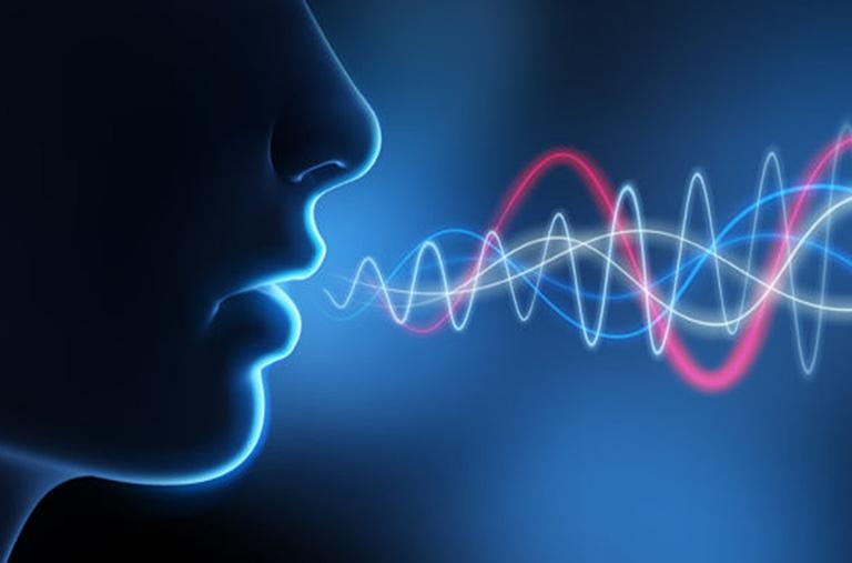 Đàn ông có giọng nói trầm
