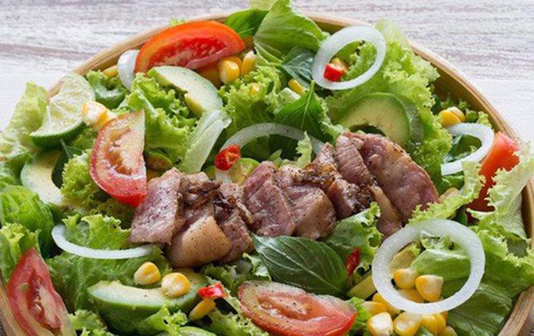 Salad Bơ Caesar nên ăn vào bữa tối trước khi đi ngủ có tác dụng cải thiện chứng rối loạn cương dương