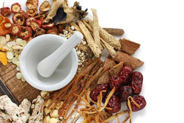 Bài thuốc Đông y có nguồn gốc từ các loại thảo dược tự nhiên rất lành tính