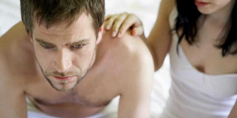 Các bạn gái cần chia sẻ, thấu hiểu cho người đàn ông của mình. Điều này giúp chàng lạc quan hơn và có kết quả điều trị yếu sinh lý tốt hơn.