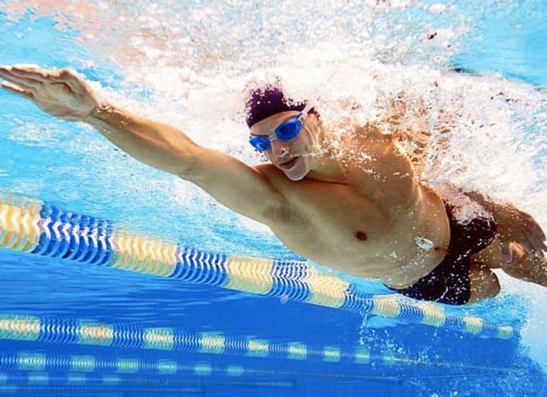 Bơi lội cũng là một cách chống xuất tinh sớm hiệu quả
