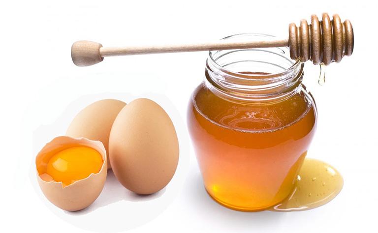 Mật ong và lòng trắng trứng gà là một sự kết hợp hoàn hảo giúp cải thiện bệnh yếu sinh lý