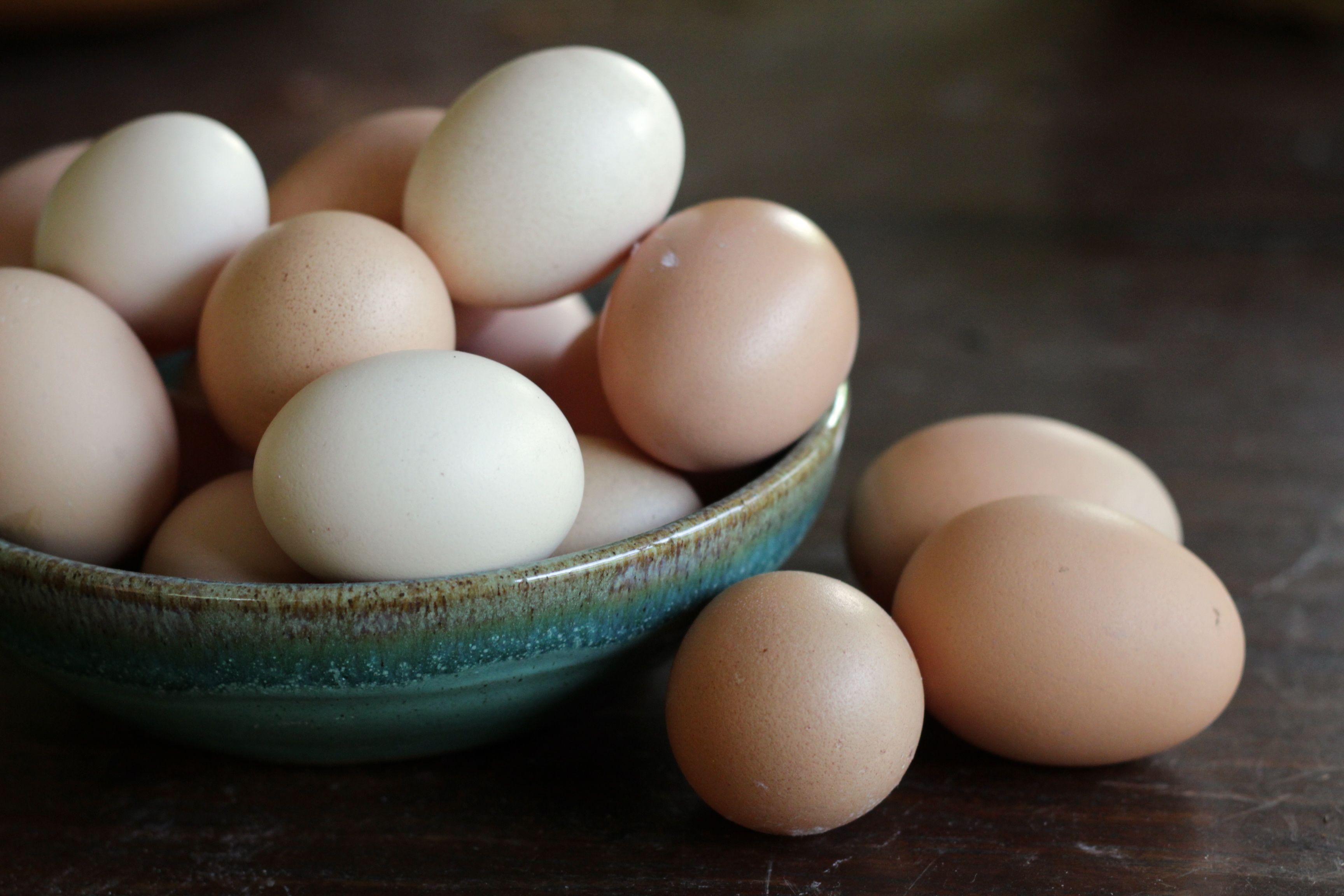 Trứng gà được đánh giá là thực phẩm rất có lợi cho sức khỏe, đặc biệt cho các đối tượng bị yếu sinh lý