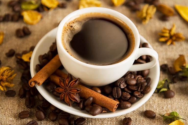 Việc uống cà phê giúp chống xuất tinh sớm, kéo dài thời gian quan hệ