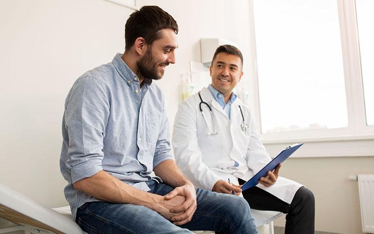 Tiến hành thăm khám để biết chính xác nguyên nhân gây bệnh, từ đó có biện pháp điều trị phù hợp