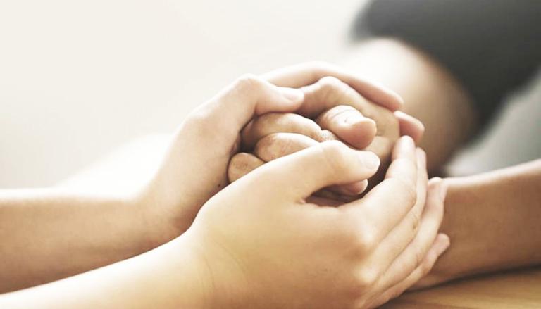 Chia sẻ với đối tác về tình trạng đang mắc phải để nhận sự đồng cảm trong chuyện phòng the