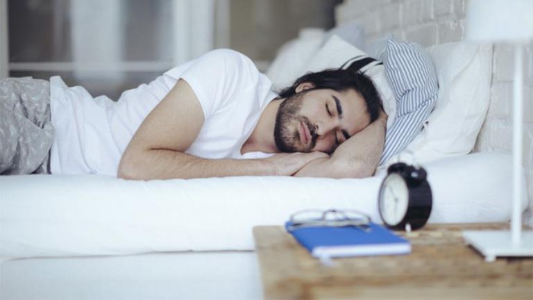 Ngủ đủ giấc có tác dụng tăng cường sức khoẻ và chức năng của cơ quan sinh dục