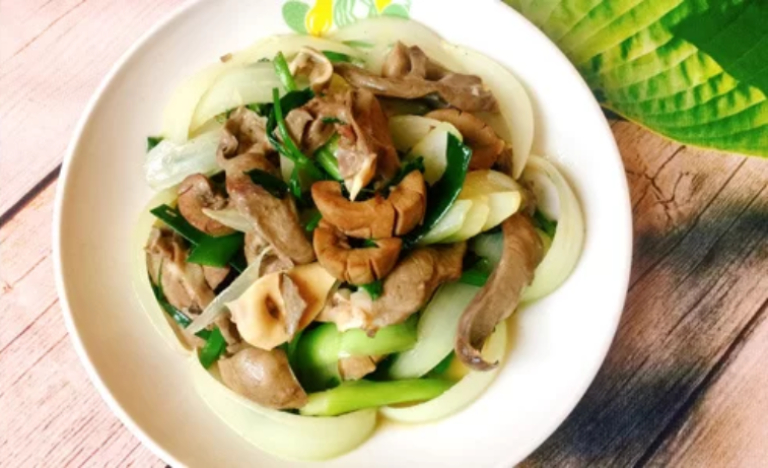 Cật lợn xào hành tây là món ăn bổ thận tráng dương rất tốt cho nam giới