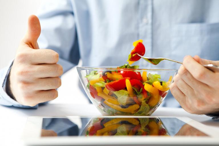 Thay đổi chế độ ăn uống và sinh hoạt để cải thiện sức khỏe được nhanh chóng sau phẫu thuật rối loạn cương dương
