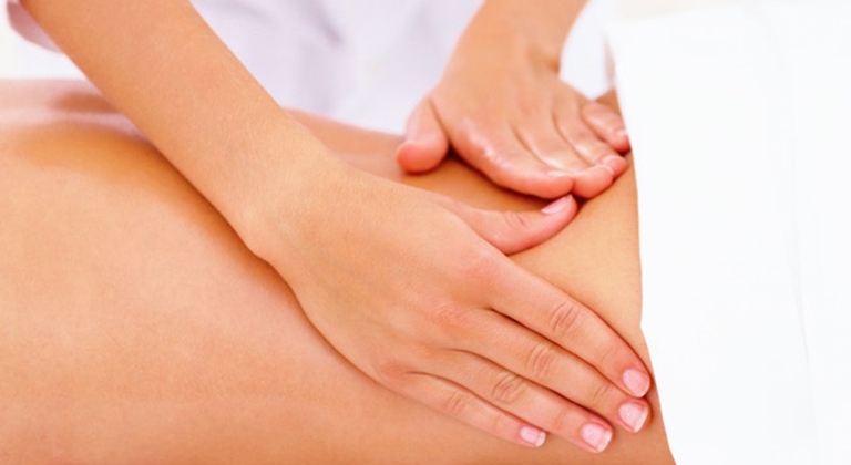 Cải thiện cơn đau lưng do thận yếu gây ra bằng cách massage, xoa bóp
