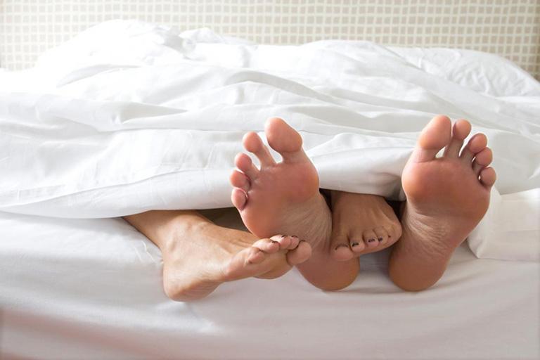 Thay đổi liên tục nhiều tư thế quan hệ mới mẻ trong mỗi cuộc yêu để tránh sự nhàm chán