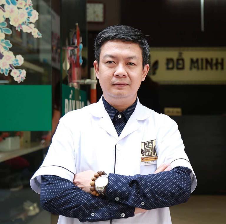 Lương y Đỗ Minh Tuấn - chuyên gia da liễu, giám đốc nhà thuốc nam Đỗ Minh Đường