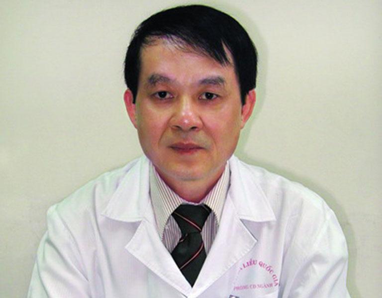 PGS.TS Nguyễn Duy Hưng, trưởng khoa Da liễu bệnh viện Da liễu Trung ương