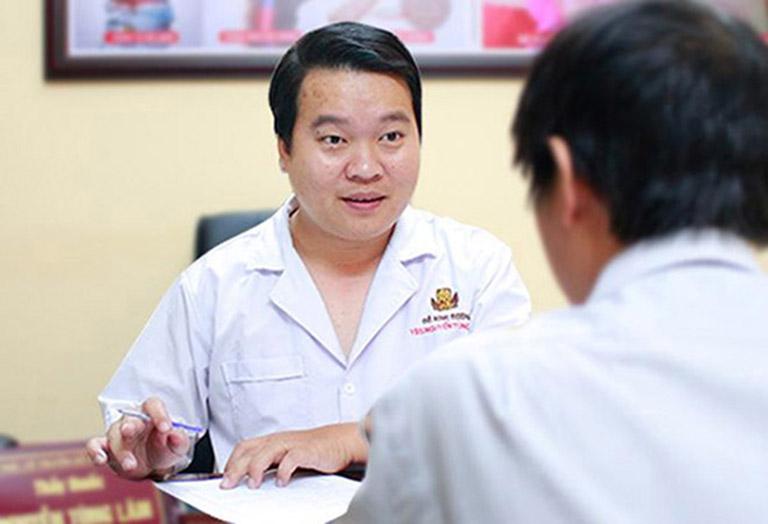 Bác sĩ Nguyễn Tùng Lâm có nhiều năm kinh nghiệm điều trị mề đay bằng phương pháp YHCT