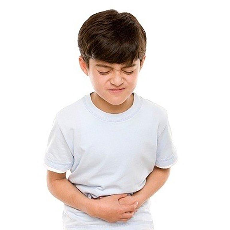 Trẻ trên 12 tuổi thường có dấu hiệu đau rát, trào ngược rõ ràng