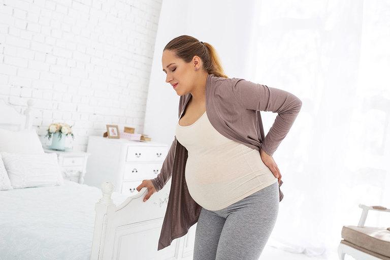 Phụ nữ đang mang thai bị thoát vị đĩa đệm sẽ rất khó khăn trong sinh hoạt. Đồng thời, các cơn đau có thể xuất hiện nhiều và dữ dội hơn