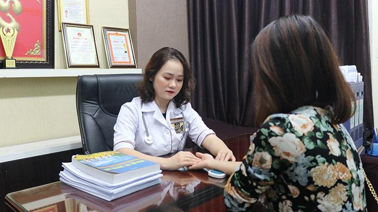 Sớm thăm khám bác sĩ để xác định nguyên nhân gây bệnh