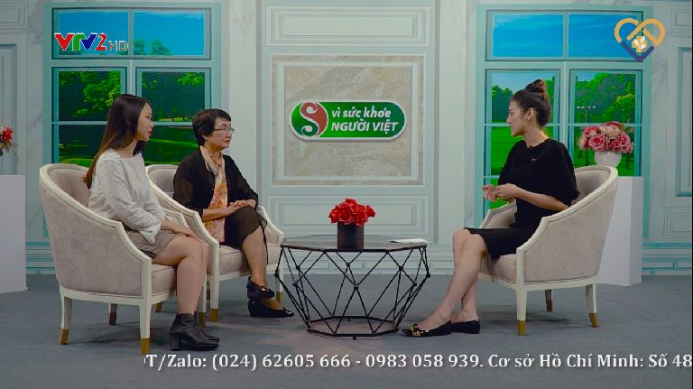 Bác sĩ Nguyễn Thị Nhuần tư vấn về phương pháp điều trị mụn trứng cá trên VTV2