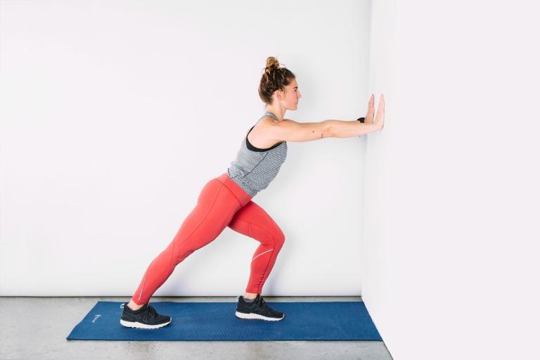 Bài tập Standing calf stretch