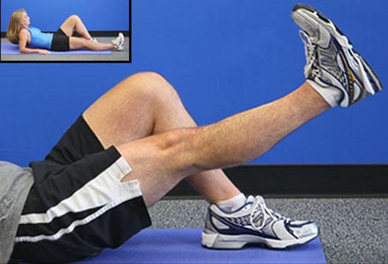 Bìa tập nâng thẳng chân tốt cho người bị thoái hóa khớp gối