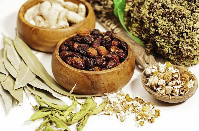 Các bài thuốc Đông y chữa thoái hóa cột sống