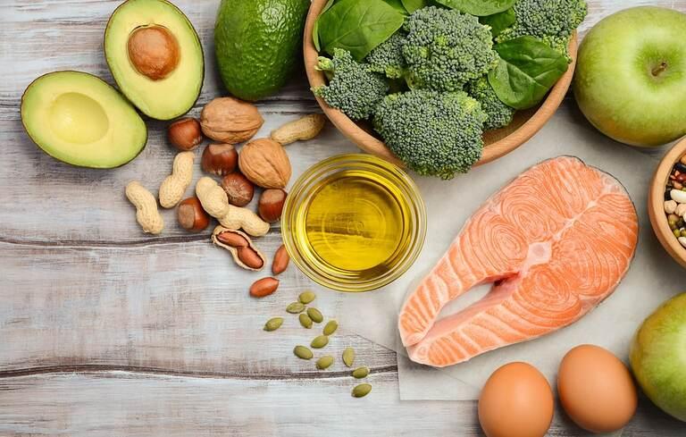 Bệnh nhân viêm mũi dị ứng nên bổ nhiều thực phẩm giàu omega-3