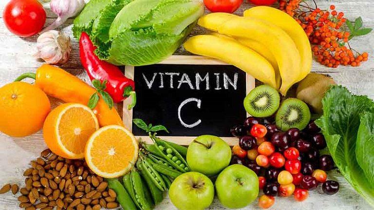 Mẹ bầu bị nổi mề đay nên ăn nhiều trái cây giàu Vitamin C