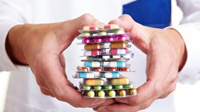 Dùng thuốc Tây y có thể gây tác dụng phụ, ảnh hưởng đến sức khỏe của trẻ