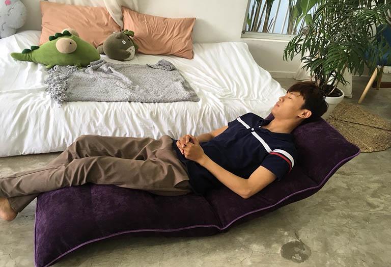 Hạn chế nằm nghỉ trên giường quá lâu