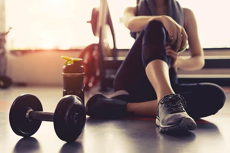 Những điều cần lưu ý cho người bị thoái hóa cột sống khi tập Gym