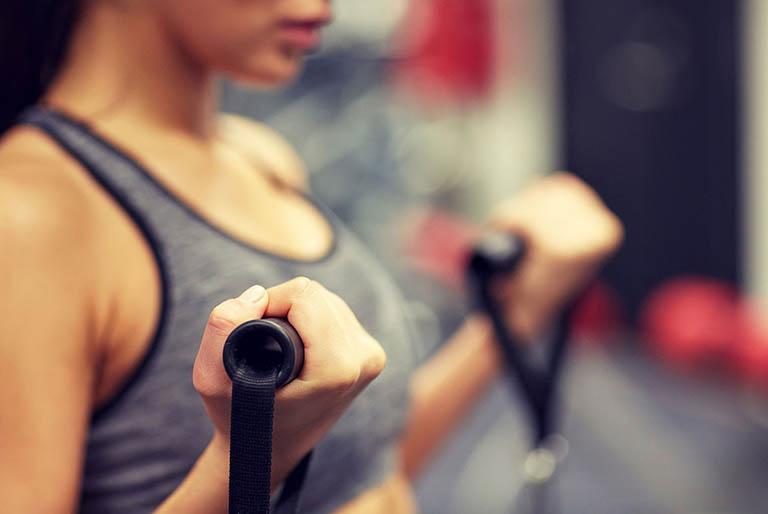 Bị thoái hóa cột sống có nên tập Gym?