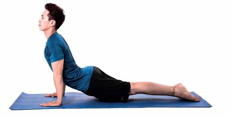 """Tư thế """"hổ mang"""" trong yoga"""