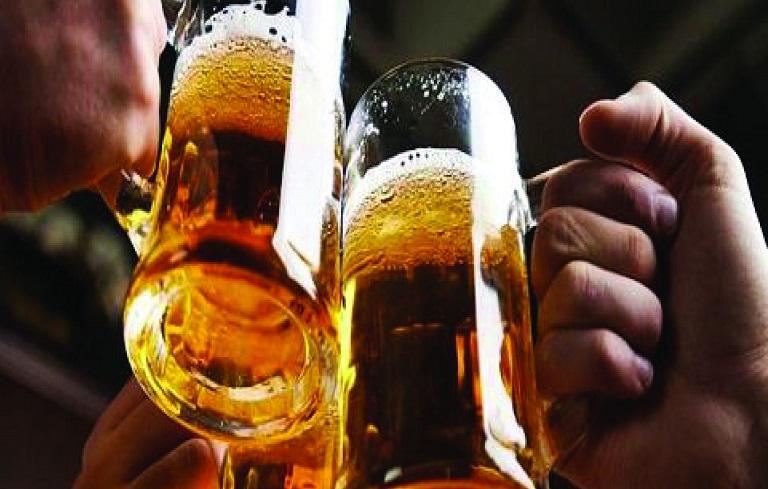 Chị em cần tuyệt đối tránh xa các loại đồ uống có cồn, không tốt cho sức khỏe
