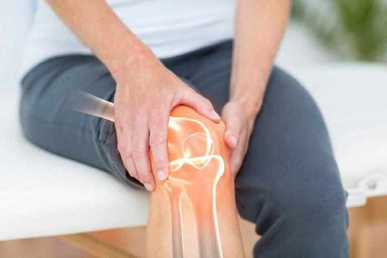 Đầu gối đau khi co duỗi có thể liên quan đến nhiều bệnh lý về xương khớp