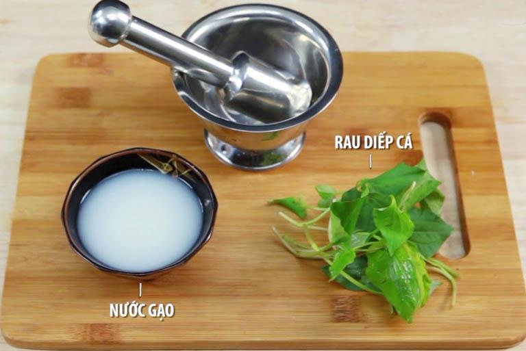 Cách điều trị ho cho trẻ sơ sinh bằng rau diếp cá và nước vo gạo