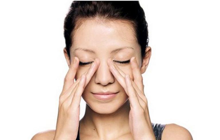 Massage cùng mũi giúp giảm triệu chứng bệnh hiện quả