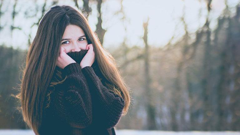 Giữ ấp cơ thể khi thời tiết chuyển lạnh giúp phòng ngừa bệnh ho gió