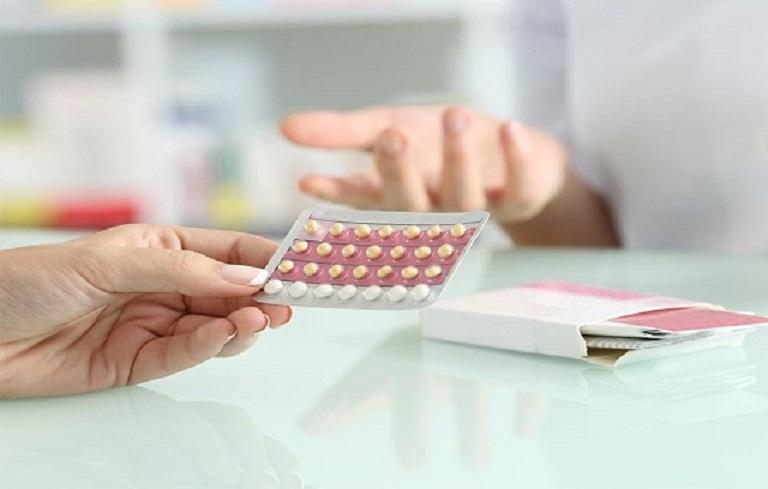 Lạm dụng các biện pháp tránh thai như đặt vòng, dùng thuốc gây tổn hại lâu dài cho các cơ quan sinh dục, dẫn đến rong kinh