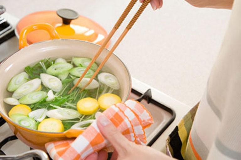 Người bị thoát vị đĩa đệm nên sử dụng các món ăn đã được nấu chín kỹ