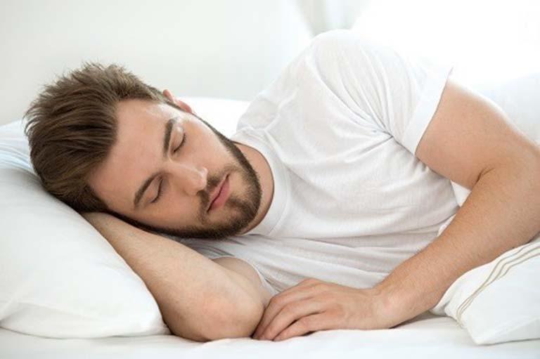 Sau khi cắt búi trĩ bằng tia laser CO2 người bệnh nên dành thời gian nghĩ ngơi nhiều hơn