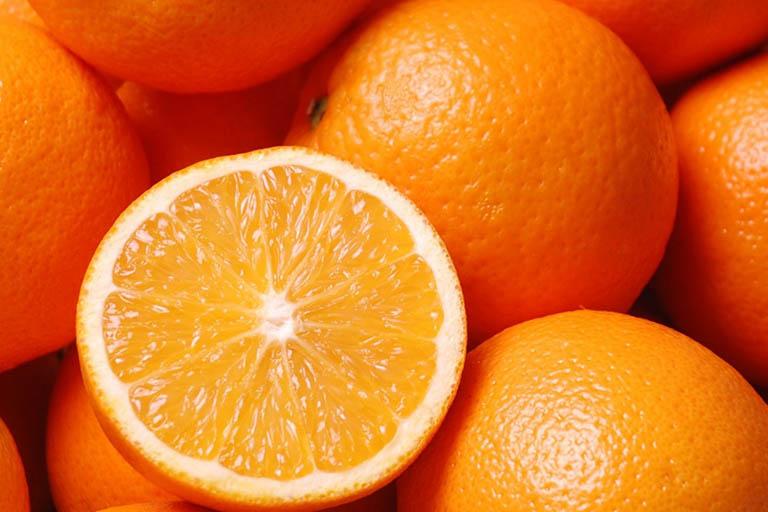 Cách chữa ngứa cổ họng ho khan lâu ngày bằng cam