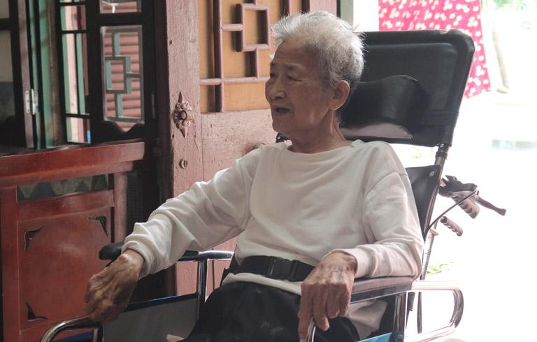 Nữ thanh niên xung phong năm nào nay đã gần 90 tuổi nhớ lại một thời vẻ vang của mình