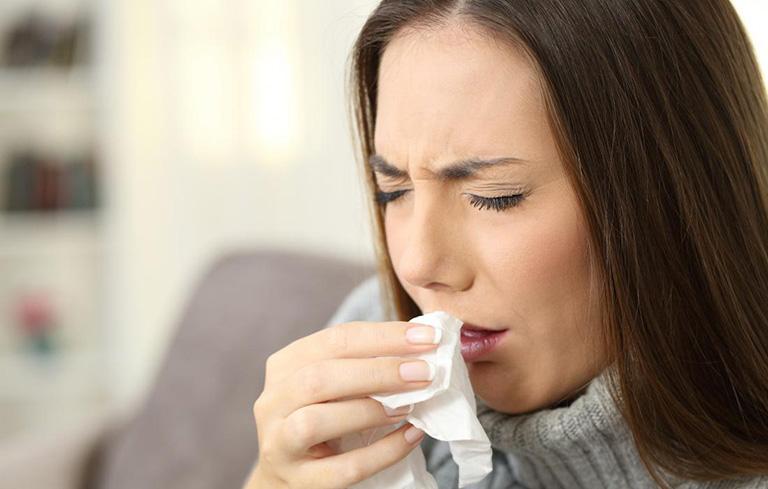 Sổ mũi là một biểu hiện của viêm xoang hàm