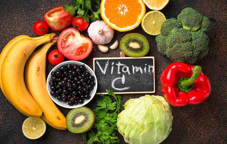 Tăng cường cho trẻ ăn thực phẩm giàu vitamin C