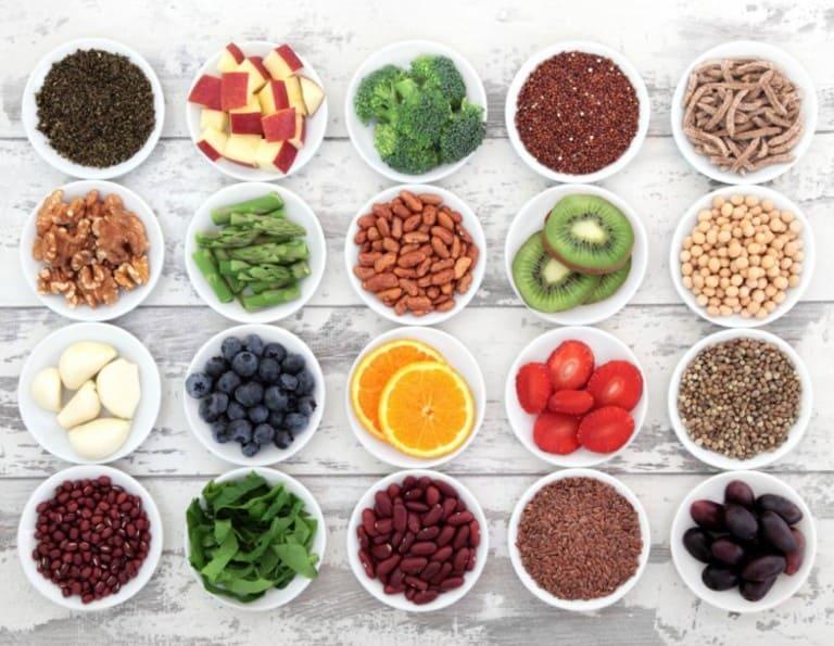 Chế độ dinh dưỡng đầy đủ, bổ sung thêm các thực phẩm giàu chất xơ và sắt luôn rất tốt cho người bệnh trĩ nội