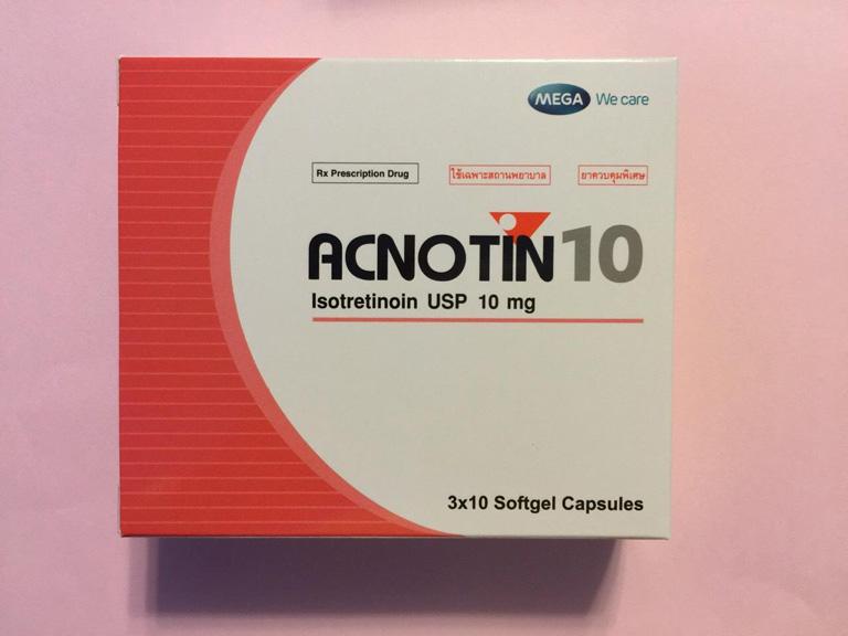 Thuốc trị mụn Tây y Acnotin